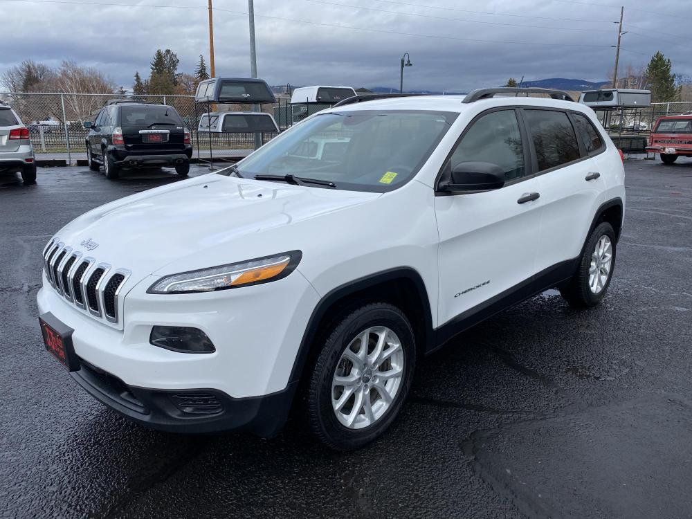 2016 White Jeep Cherokee Sport (1C4PJMAB2GW) with an 2.4L engine, Automatic transmission, located at 100 S Russell St., Missoula, MT, 59801, (406) 721-7467, 46.870090, -114.018066 - Photo #0
